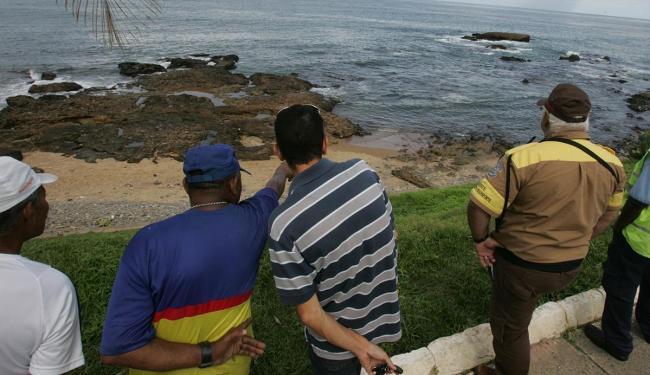 Corpo foi achado na praia da Paciência - Foto: Fernando Amorim | Ag. A TARDE