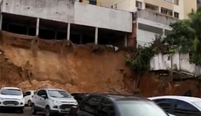 Prédio não está condenado pela Defesa Civil, mas - Foto: Reprodução l TV Bahia