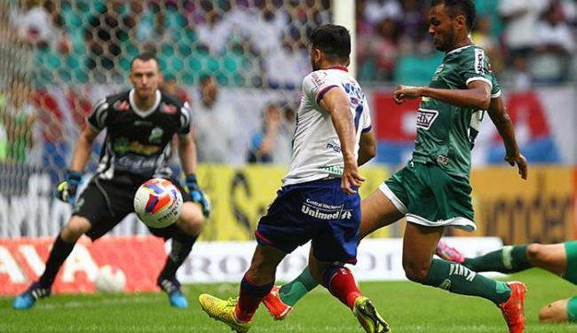 Maxi arrisca para o gol, mas não consegue abrir o marcador - Foto: Eduardo Martins l Ag. A TARDE