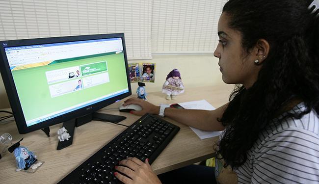 Estudantes podem se inscrever para uma bolsa do ProUni até quinta-feira - Foto: Mila Cordeiro