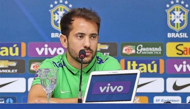 Everton disputa vaga na equipe com Phillipe Coutinho e Douglas Costa - Foto: Rafael Ribeiro   CBF