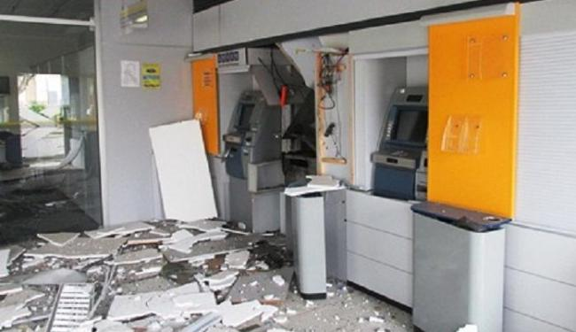 Os bandidos deixaram a agência destruída - Foto: André Luiz | AL Notícias