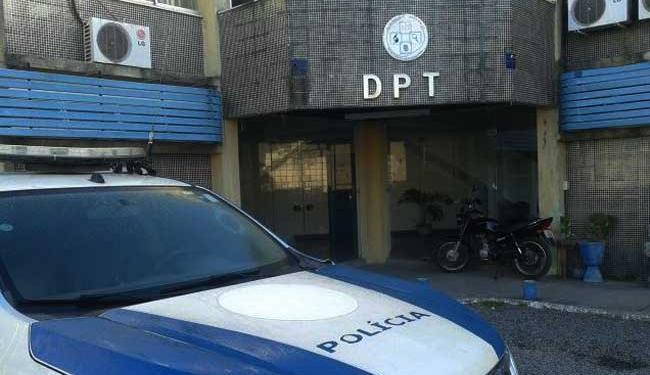 Corpo da criança foi levado para o Departamento Polícia Técnica - Foto: Aldo Matos   Acorda Cidade