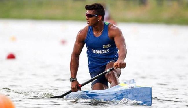 Isaquias Queiroz, de Ubaitaba, é favorito ao ouro na canoagem de velocidade, categoria C1 1000 m - Foto: Reprodução   Facebook