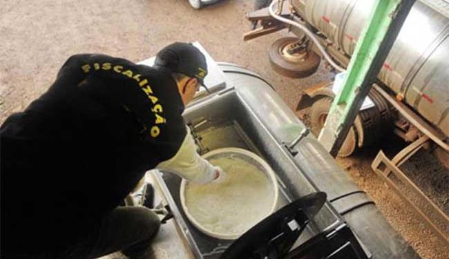 Foram apreendidos cerca de 650 quilos de produtos irregulares - Foto: Divulgação   Adab
