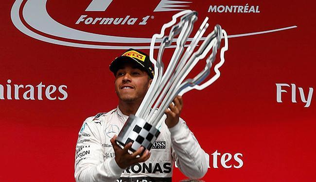 Hamilton abre vantagem na liderança do Mundial de Pilotos, chegando a 151 pontos - Foto: Chris Wattie l Reuters