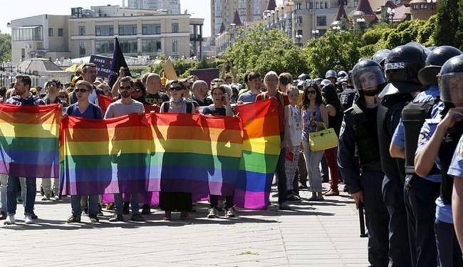 A marcha iniciou sem tensões... - Foto: Ag. Reuters