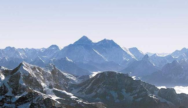 Monte Everest se deslocou também por conta do terremoto no Nepal - Foto: Agência Reuters