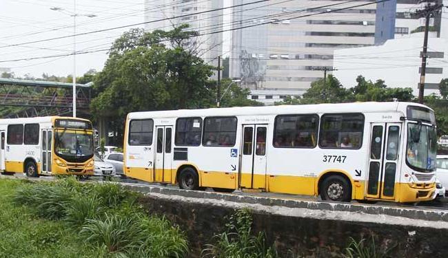 Procon notificou os três consórcios de empresas de ônibus que atuam na capital - Foto: Edilson Lima | Ag. A TARDE