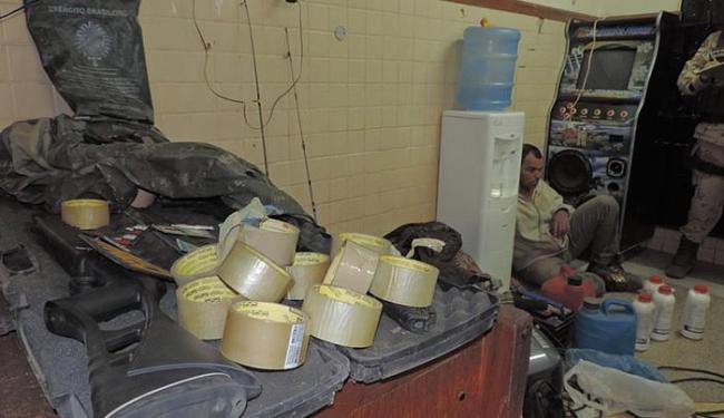 Policiais militares e civis encontraram equipamentos da quadrilha em Angical - Foto: Naldo Vilares l Blog do Sigi Vilares