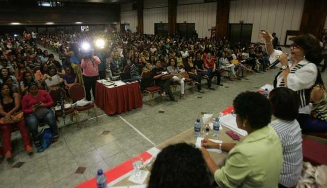 Professores voltaram a se reunir em assembleia para analisar proposta da prefeitura - Foto: Fernando Amorim   Ag. A TARDE