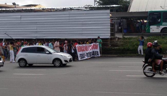 Protesto já passou pela Estação Iguatemi - Foto: Alan Oliveira | Ag. A TARDE