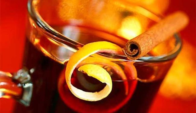 Cachaça, gengibre e limão são ingredientes do quentão - Foto: Reprodução