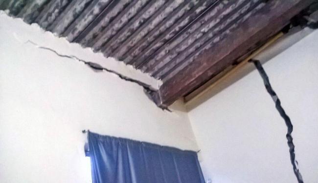Rachaduras colocam em risco a vida dos moradores em Simões Filho - Foto: Foto do leitor | Cidadão Repórter