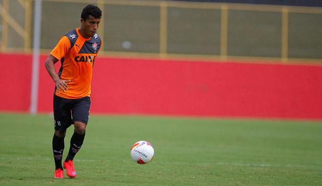Zagueiro será reavaliado pelos médicos nesta sexta-feira - Foto: Joá Souza   Ag. A TARDE