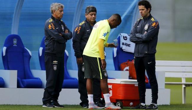 Após sentir o desconforto, Robinho treinou normalmente na academia - Foto: Sergio Moraes | Ag. Reuters