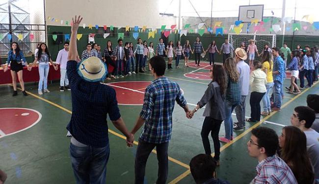 Colégios mantém viva a tradição: alunos do Colégio Oficina ensaiam para apresentação de quadrilha - Foto: Divulgação
