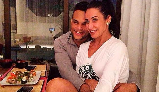 Tony e Scheila vão deixar a pequena Giulia na casa de uma das avós para curtir o Dia dos Namorados - Foto: Reprodução | Instagram