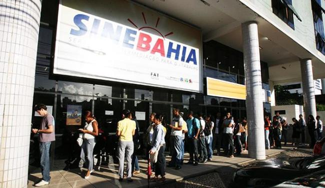 Entre as vagas, 12 são para promotor de vendas - Foto: Arestides Baptista   Ag A TARDE