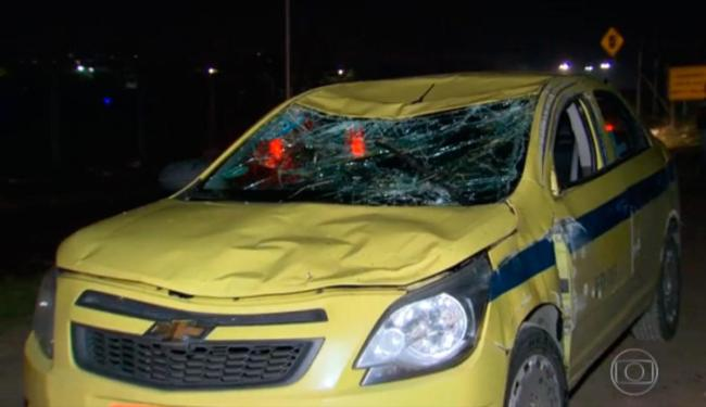O motorista do táxi não ficou ferido no acidente - Foto: Reprodução | TV Globo