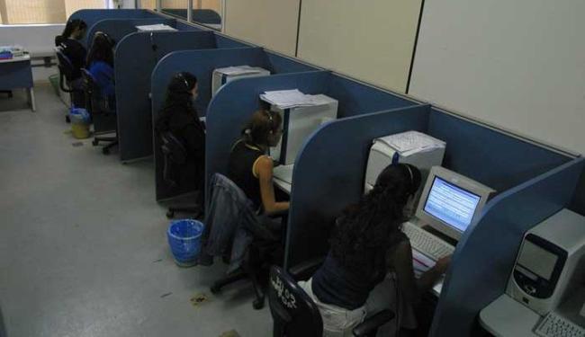 Entre as vagas disponíveis em Salvador, 40 são para operador de telemarketing - Foto: Fernando Vivas | Ag. A TARDE