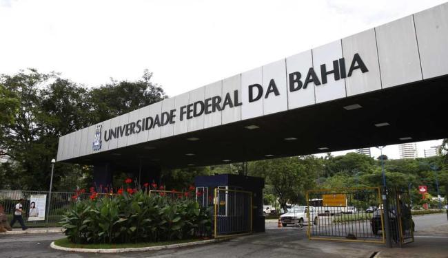 Entre os técnicos-administrativos, a paralisação atinge 58 universidades e três institutos federais - Foto: Margarida Neide | Ag. A TARDE
