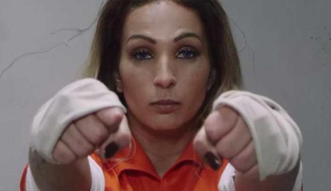 Valesca Popozuda interpreta uma presidiária no clipe - Foto: Reprodução