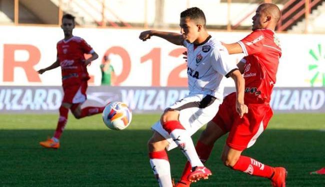 Vitória saiu na frente, mas se acomodou e permitiu o empate do lanterna do campeonato - Foto: Luciano Claudino | Folhapress