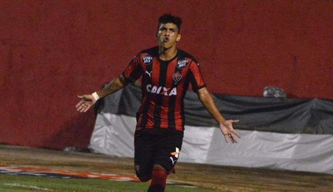 Vitória passa pelo Timão e lidera Grupo B da competição - Foto: Francisco Galvão   E.C.Vitória