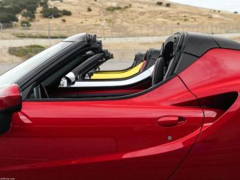 Modelo conversível e com motor turbo - Foto: Divulgação Alfa Romeo