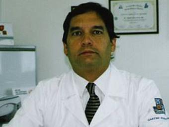 Raymundo Paraná, hepatologista: 'Recomenda-se teste que diagnostica as hepatites anualmente' - Foto: Arquivo pessoal l Ag. A TARDE