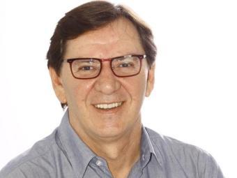 O jornalista Ronaldo Jacobina continua escrevendo para a Muito - Foto: Xando Pereira | Ag. A TARDE