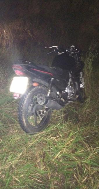 O motociclista acabou colidindo com uma vaca que estava na pista - Foto: Reprodução   Site O Povo Nes