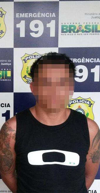 Homem tinha mandado de prisão em aberto por suspeita de tráfico de drogas - Foto: Divulgação   PRF