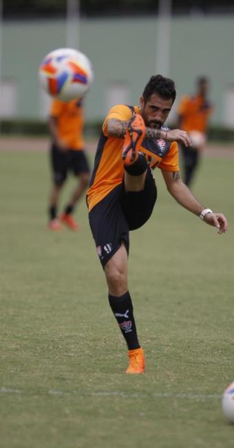 Após cumprir dois jogos de suspensão, Escudero retorna ao time contra o CRB, na próxima sexta, 17 - Foto: Joá Souza | Ag. A TARDE