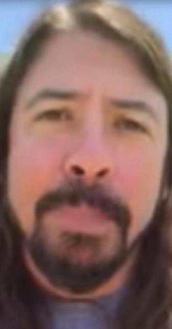 Página oficial do Foo Figthers publicou vídeo de Dave Grohl garantindo no show da banda na cidade it - Foto: Reprodução | Youtube