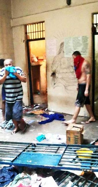 As grades das celas foram arrancadas - Foto: Leandro Alves   Bahia na Mídia