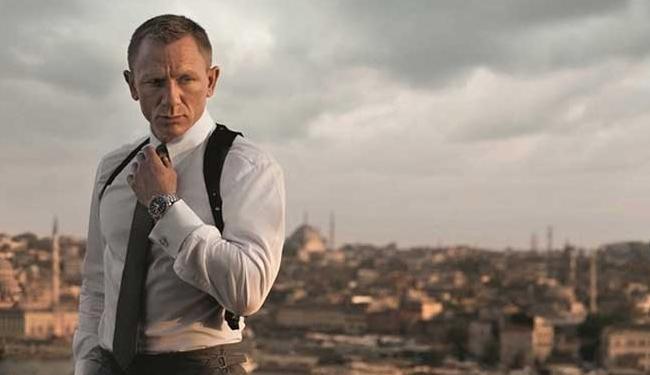 O ator Daniel Craig volta a interpretar o agente no cinema - Foto: Divulgação