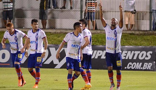 Destaque do Esquadrão, Alexandro celebra gol - Foto: Frankie Marcone l Futura Press l Estadão Conteúdo