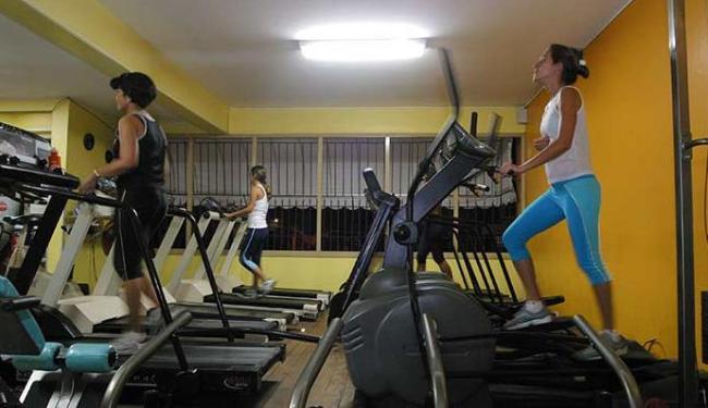 Exercícios aeróbico são bastante realizados nas academias de Salvador - Foto: Fernando Vivas   Ag. A TARDE