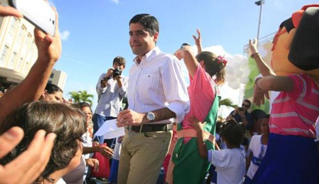 Solenidade foi em clima festivo, ao lado das crianças - Foto: Joá Souza l Ag. A TARDE