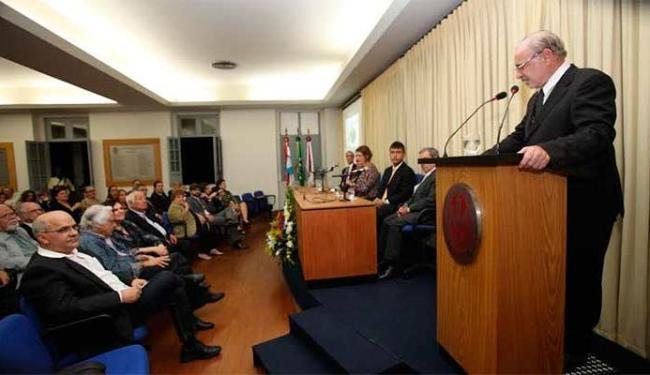 Participaram da sessão familiares, amigos, políticos e jornalistas - Foto: Margarida Neide | Ag. A TARDE