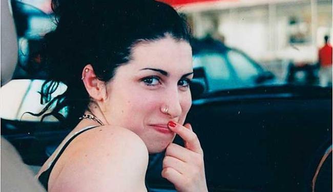 Em Amy, de Asif Kapadia, estreou em Cannes e foi criticado pelo pai da cantora - Foto: Divulgação