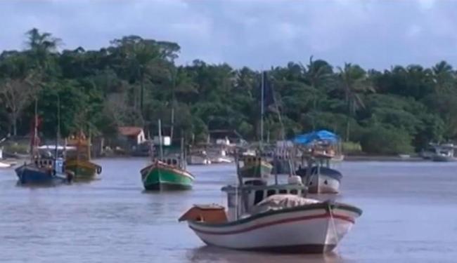 As buscas pelos pescadores foram retomadas na manhã desta quinta-feira - Foto: Reprodução | TV Bahia