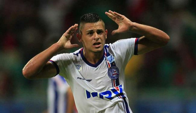 Jacó comemora o primeiro gol da carreira profissional - Foto: Lúcio Távora | Ag. A TARDE