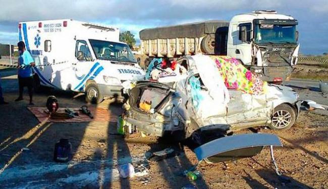 PRF suspeita que o carro seguia viagem em alta velocidade - Foto: Reprodução | Blog do Anderson
