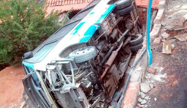 Veículo pertence à empresa Novo Horizonte - Foto: Reprodução: Site Brumado Agora