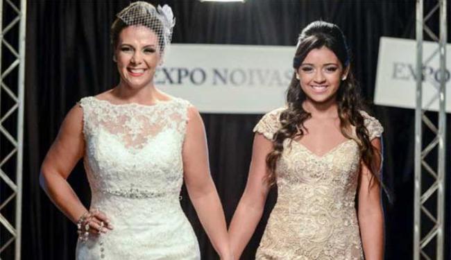 Carla usou um vestido de noiva e Camilly um de festa - Foto: Alex Dantas | Divulgação