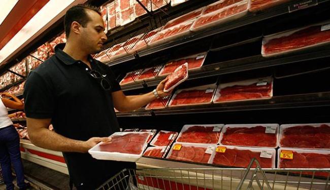 De acordo com o Dieese, a carne aumentou em 16 cidades - Foto: Fernando Amorim | Ag. A TARDE
