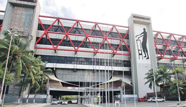 Gigante da arquitetura terá reforma emergencial - Foto: Raul Spinassé | Ag. A TARDE